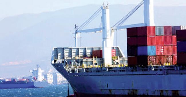 Les exportations agricoles et maritimes stables