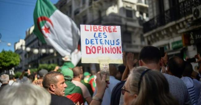 L'Algérie emprisonne 3 opposants