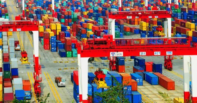 Covid-19 : chute de 27 % du commerce mondial