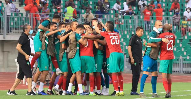 L'équipe du Maroc célébrant le but inscrit par Sofiane Rahimi face à la Zambie, dimanche 31 janvier © AFP