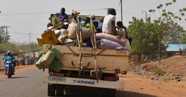Des personnes déplacées à Kaya, après une attaque au Burkina Faso le 24 janvier 2020 © Reuters