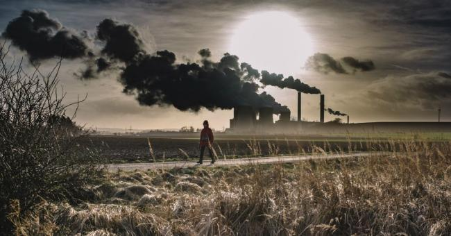 Une dose d'optimisme ne fait pas de mal : quarante-neuf pays ont déjà derrière eux leur pic d'émissions de CO2 © Thomas Hafeneth via Unsplash License by