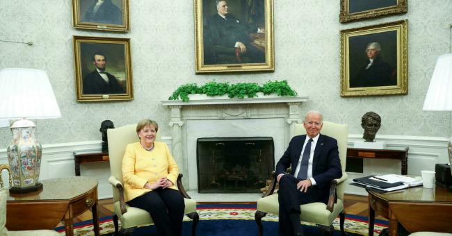 La chancelière allemande Angela Merkel et le président américain Joe Biden, le 15 juillet 2021, à la Maison Blanche. © Tom Brenner, Reuters