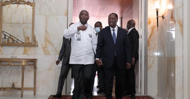 Le Président ivoirien Alassane Ouattara a reçu à Abidjan son prédécesseur et ex-rival Laurent Gbagbo © Twitter @AOuattara_PRCI