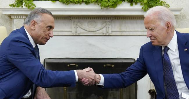 Le président américain, Joe Biden, et le premier ministre irakien, Moustafa al Kadhimi, à la Maison-Blanche, à Washington, le 26 juillet 2021 © AP