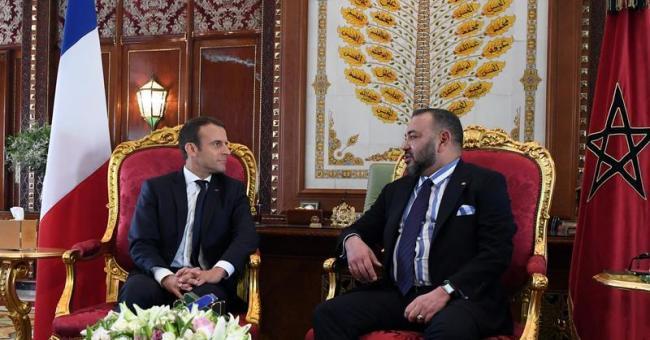 Le roi Mohammed VI en compagnie du président français Emmanuel Macron © DR