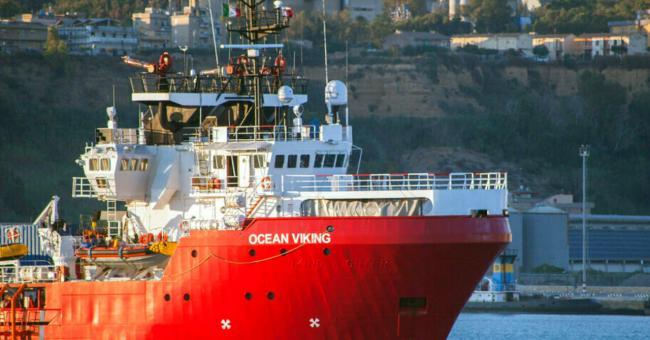 Les 555 migrants à bord du navire Ocean Viking dans un état critique