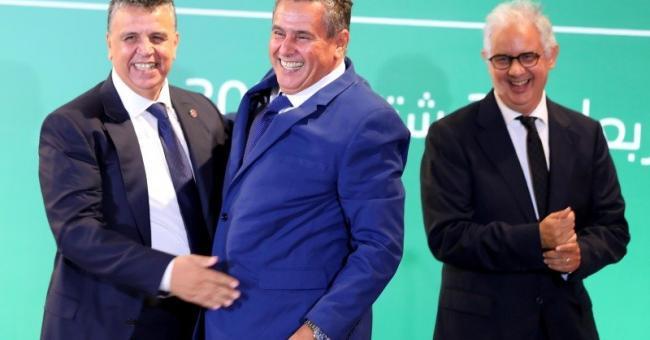 Aziz Akhannouch (RNI) au milieu, entouré de Nizar Baraka (PI), à gauche et Abdellatif Ouahbi (PAM), à droite © Mounir Mehimdate