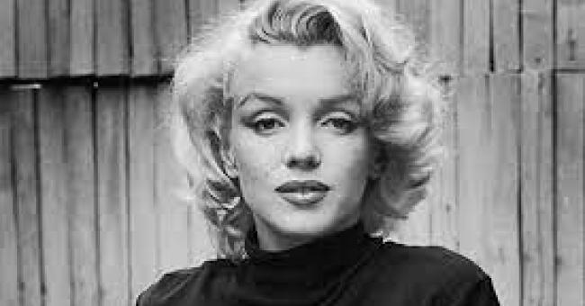 Portrait de l'actrice Marilyn Monroe en 1953. © Getty / Alfred Eisenstaedt / Pix Inc./La collection d'images LIFE