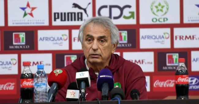 Vahid Halilhodzic lors d'une conférence de presse