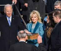 Joe Biden prête serment au Capitole, à Washington, le 20 janvier 2021 © Associated Press
