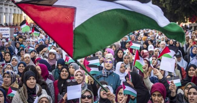 10 000 Marocains protestent contre l'initiative américaine