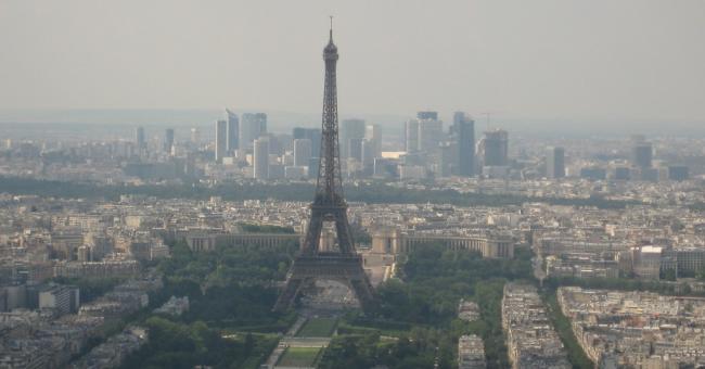 La tour Eiffel évacuée après une alerte à la bombe