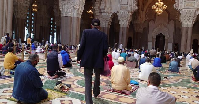 Les Marocains reviennent aux mosquées