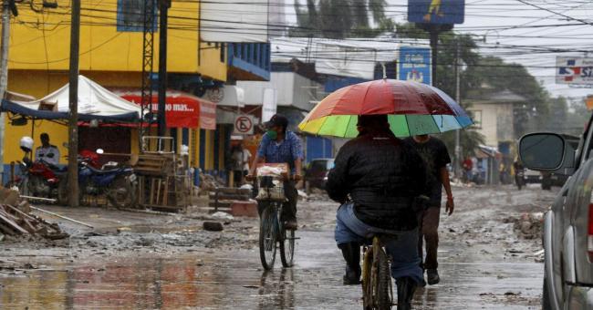 L'ouragan Iota atteint l'Amérique centrale