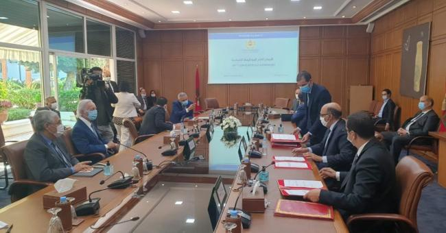 Le comité de veille économique lors d'une réunion de travail © DR