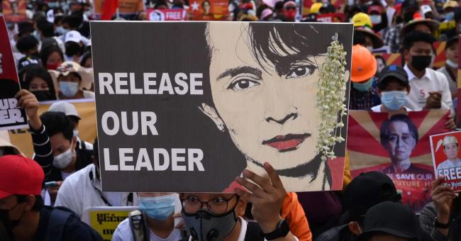 Myanmar : les manifestants rejettent le soutien de l'armée