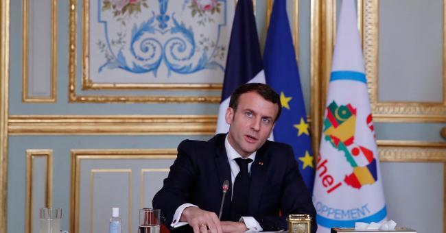 Sahel : les troupes de l'opération Barkhane ne seront pas réduites, selon Macron