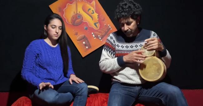 """Rachid Batma et sa fille Sophia interprètent un cover de """"El Madi Fat"""""""
