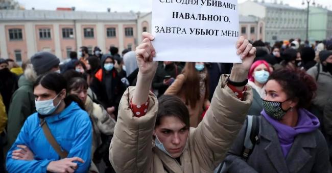 Arrestation de plus de 1.000 partisans de Navalny