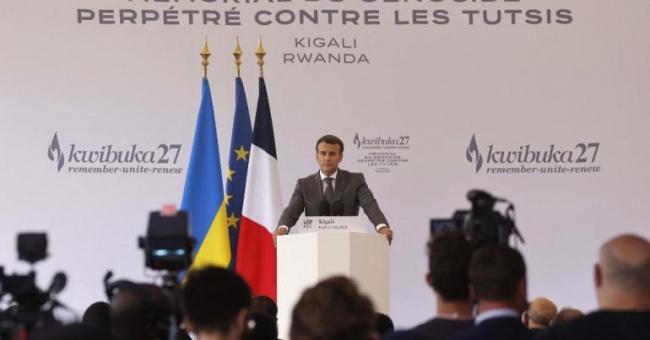 Le chef de l'État, Emmanuel Macron, lors d'un discours au mémorial du génocide, le 27 mai 2021 à Kigali, au Rwanda © LUDOVIC MARIN / AFP