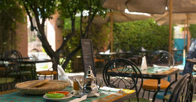 Cafés et restaurants : vers une levée progressive des restrictions après ramadan ?
