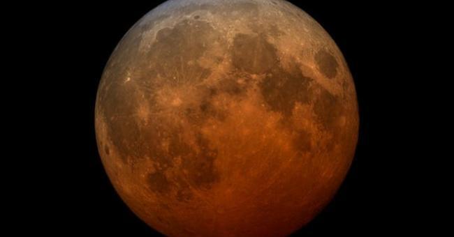 La Super Lune des Fleurs doit son nom au Printemps, saison des floraisons © Studio de visualisation scientifique de la NASA