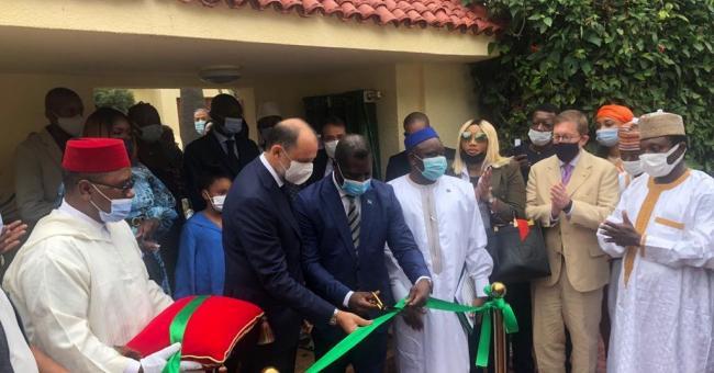 Le ministre délégué  @MarocDiplomatie  M. Mohcine Jazouli et le ministre des Affaires Etrangères de la Coopération Internationale de Sierra Leone, M. David J Francis ont inauguré aujourd'hui l'ambassade de Sierra Leone à Rabat.