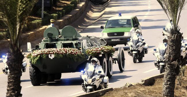 Algérie : les funérailles discrètes de l'ex-président Abdelaziz Bouteflika