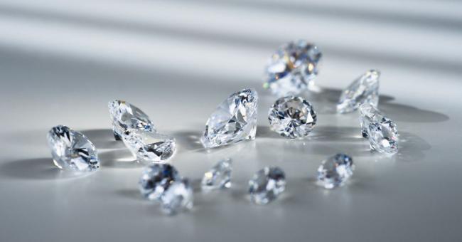 Pourquoi le carat est-il la mesure officielle des diamants ?